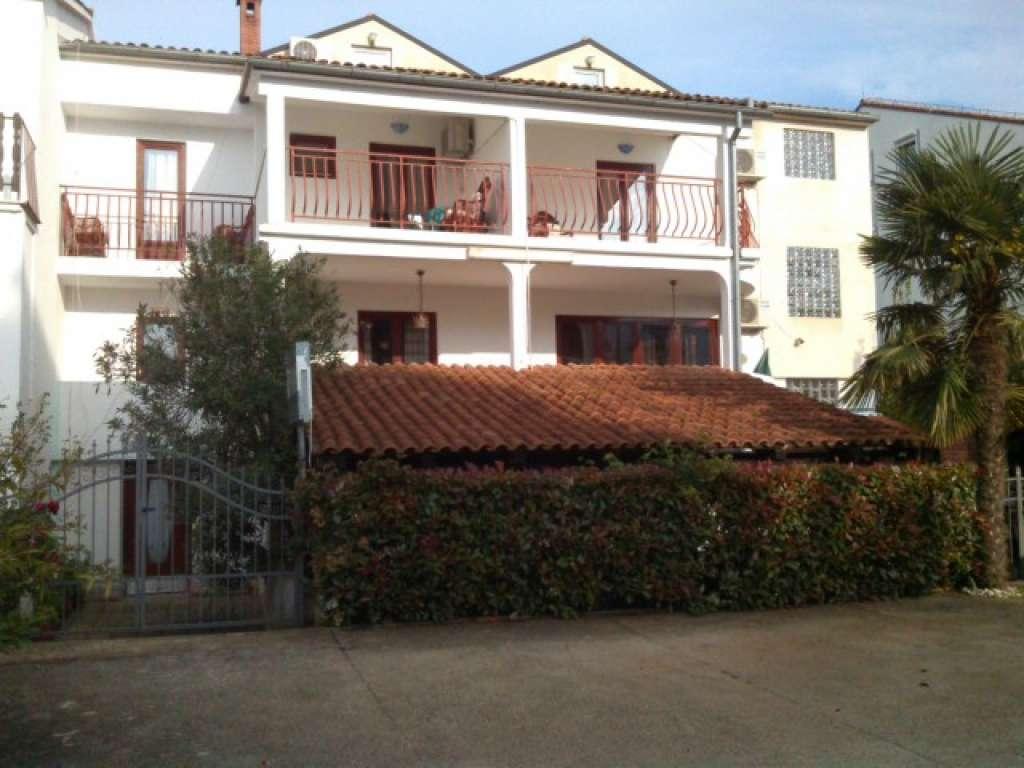 Camere casa maris rovigno appartamenti croazia for Camere croazia